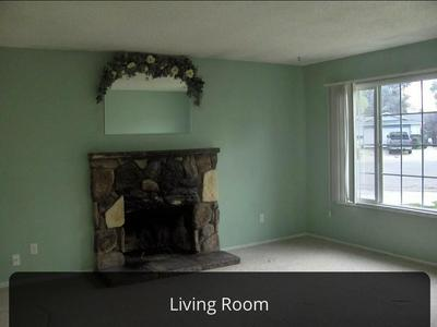 7925 VALLEY GREEN DR, Sacramento, CA 95823 - Photo 2