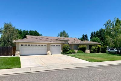 11209 VALLEY SPRINGS DR, Oakdale, CA 95361 - Photo 2