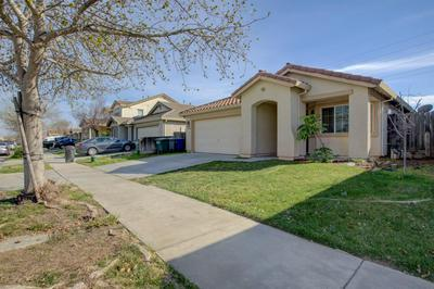 1504 LA SIERRA ST, Merced, CA 95348 - Photo 2