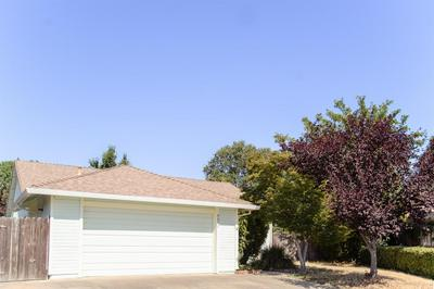 8074 SQUIREWOOD CT, Sacramento, CA 95828 - Photo 2