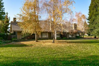 11684 GOLD COUNTRY BLVD, Gold River, CA 95670 - Photo 2