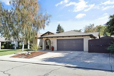 822 DORCHESTER CIR, Lodi, CA 95240 - Photo 2