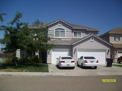 972 DALLAS DR, Livingston, CA 95334 - Photo 2
