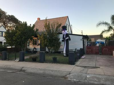 209 CHERRY ST, Lodi, CA 95240 - Photo 2