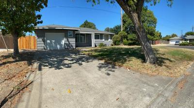 2221 MIDDLEBERRY RD, Sacramento, CA 95815 - Photo 2
