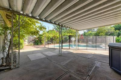 8940 LEATHAM AVE, Fair Oaks, CA 95628 - Photo 2