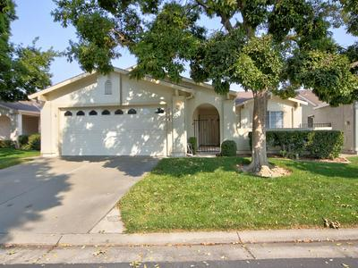 7693 SUNMORE LN, Sacramento, CA 95828 - Photo 1