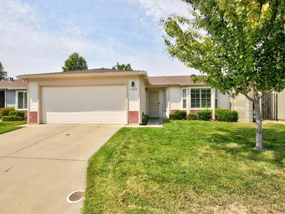 7309 SUNLEAF LN, Sacramento, CA 95828 - Photo 2