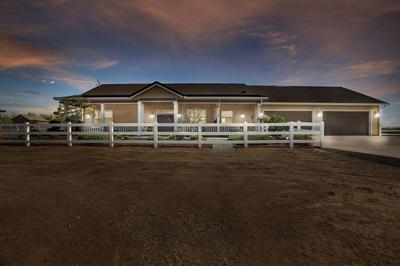 8672 S SANTA LUCIA CT, Escalon, CA 95320 - Photo 2