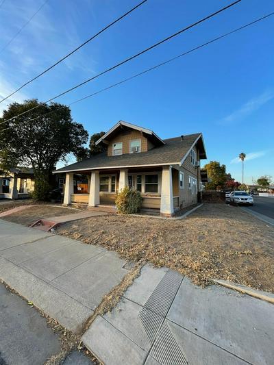 1123 E COLLEGE AVE, Stockton, CA 95205 - Photo 1