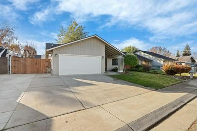 398 VALLEY AVE, Lodi, CA 95240 - Photo 2
