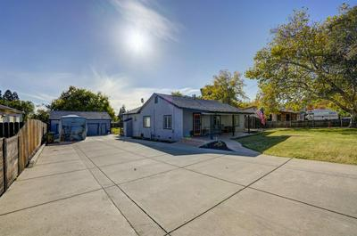 909 LAWTON AVE, Roseville, CA 95678 - Photo 2