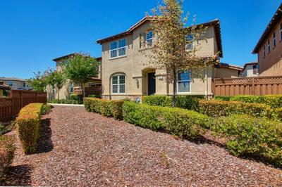 806 BLOSSOM ROCK LN, Folsom, CA 95630 - Photo 2