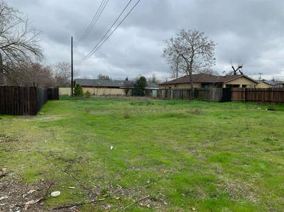 2752 OAKMONT ST, SACRAMENTO, CA 95815 - Photo 1