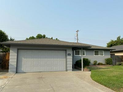 2133 W PINE ST, Lodi, CA 95242 - Photo 2