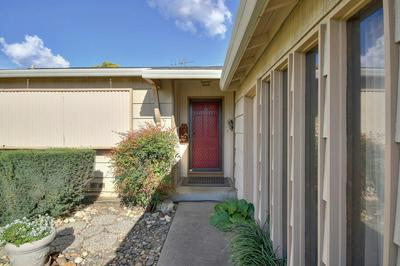 7021 6TH PKWY, SACRAMENTO, CA 95823 - Photo 2