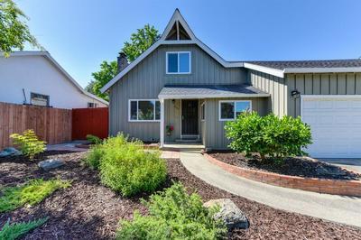 2113 SURREY RD, Sacramento, CA 95815 - Photo 2