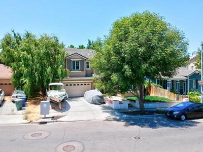 565 ASHWOOD LN, Patterson, CA 95363 - Photo 2