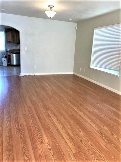 107 CREEKSIDE CIR, Sacramento, CA 95823 - Photo 2