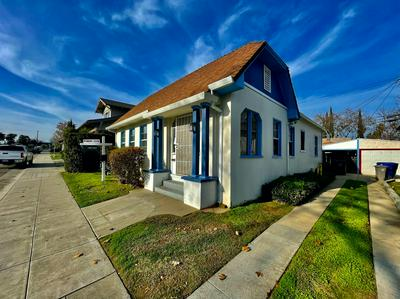 1029 YALE ST, Sacramento, CA 95818 - Photo 1