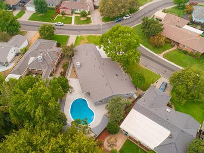 5621 KINGSTON WAY, Sacramento, CA 95822 - Photo 2