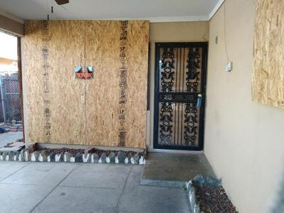 160 ARCADE BLVD, SACRAMENTO, CA 95815 - Photo 2