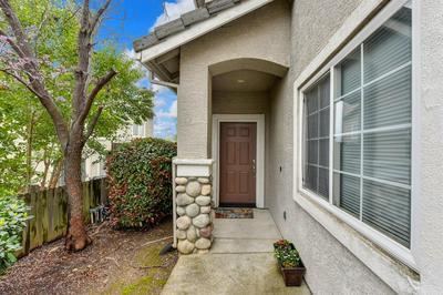 5530 BUTTE VIEW CT, Rocklin, CA 95765 - Photo 2