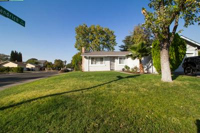 1 KEELY CT, Sacramento, CA 95838 - Photo 2