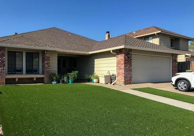 425 SWALLOW LN, Lodi, CA 95240 - Photo 1