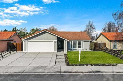 211 W DEERWOOD LN, Tracy, CA 95376 - Photo 1
