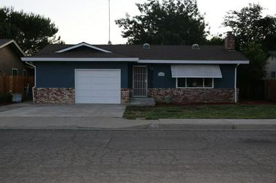1051 ELM AVE, Gustine, CA 95322 - Photo 2