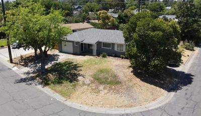 2221 MIDDLEBERRY RD, Sacramento, CA 95815 - Photo 1