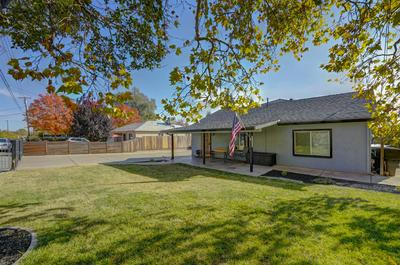 909 LAWTON AVE, Roseville, CA 95678 - Photo 1
