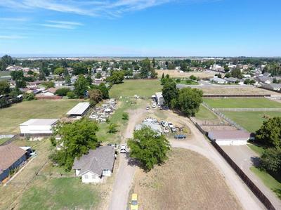 4216 N SPERRY RD, Denair, CA 95316 - Photo 2