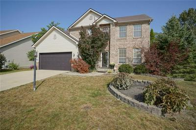 12376 GEIST COVE DR, Indianapolis, IN 46236 - Photo 2