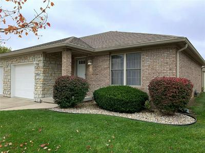 2924 VICTORY DR # 3, Columbus, IN 47203 - Photo 2