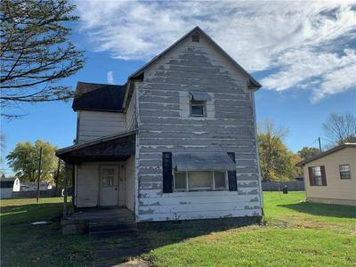 39 S MAIN ST, Rosedale, IN 47874 - Photo 1