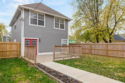2221 BELLEFONTAINE ST, Indianapolis, IN 46205 - Photo 2