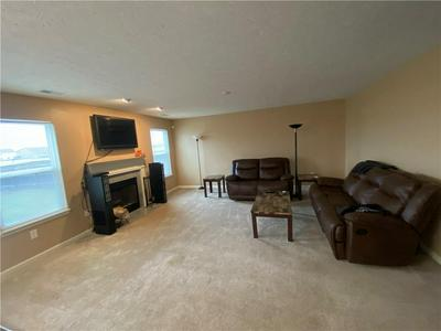 4809 LONG IRON DR, Indianapolis, IN 46235 - Photo 2