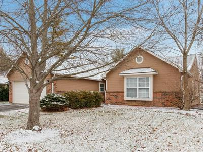 11355 CHERRY BLOSSOM EAST DR, Fishers, IN 46038 - Photo 2