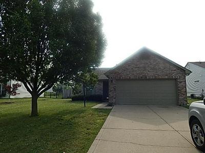 5231 THOMPSON PARK BLVD, Indianapolis, IN 46237 - Photo 1