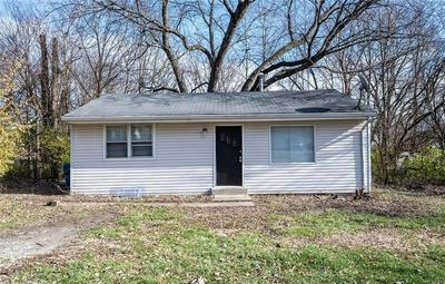 2835 S LYONS AVE, Indianapolis, IN 46241 - Photo 2