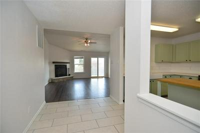 11301 N CREEKSIDE DR, Monrovia, IN 46157 - Photo 2