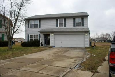 6654 AHERN CT, Indianapolis, IN 46268 - Photo 2