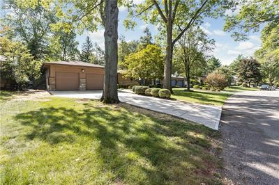 5965 GLADDEN DR, Indianapolis, IN 46220 - Photo 2
