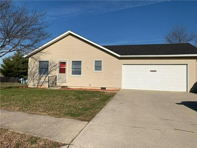 1118 SQUIRREL RIDGE RD, Anderson, IN 46013 - Photo 1