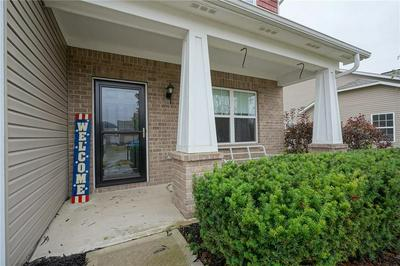 2393 TWINLEAF DR, Plainfield, IN 46168 - Photo 2