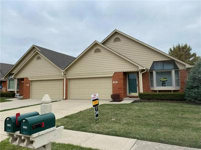 2959 COLONY LAKE EAST DR, Plainfield, IN 46168 - Photo 2