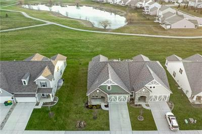 6261 COLONIAL DR, Whitestown, IN 46075 - Photo 2
