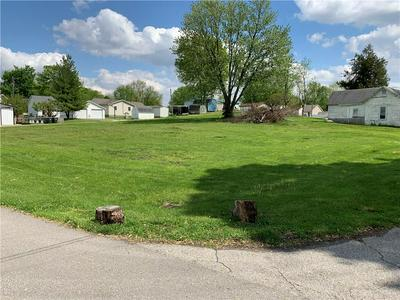 651 UNION ST, Hope, IN 47246 - Photo 2